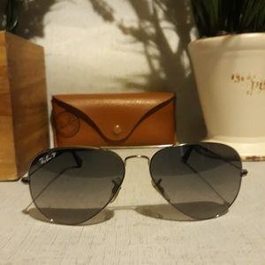 Ray-ban polarized sunglasses 3025